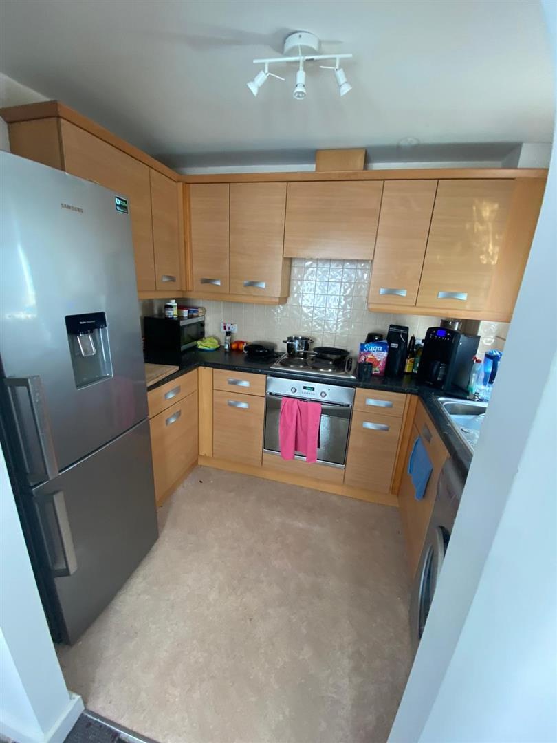 2 Bedroom Block Of Flats For Sale - 21.jpg